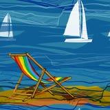 无缝的样式的例证与休息室边缘的和航行船的在水 与黄沙的图画墙纸 免版税库存图片