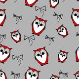 无缝的红色猫头鹰鸟仿造与弓的背景 免版税库存图片