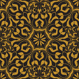 无缝的纹理向量 在黑背景的金黄葡萄酒样式 蔓藤花纹和花饰 向量例证