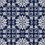 无缝的蓝色日本背景十字架螺旋藤花 免版税库存照片
