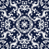 无缝的蓝色日本背景螺旋波浪十字架花 免版税图库摄影