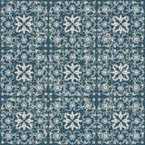 无缝的被用完的古色古香的背景191_spiral十字架花万花筒 免版税库存照片