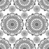 无缝的buta在白色背景的装饰项目的无刺指甲花样式坛场mehndi花卉鞋带元素 免版税库存图片