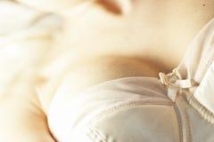 无背带的胸罩 图库摄影