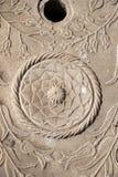 无背长椅大理石雕刻的艺术细节 库存照片