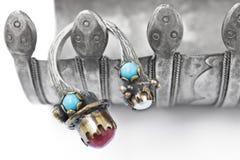 无背长椅珍珠环形红宝石土耳其 免版税图库摄影