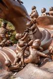 无锡灵山巨人菩萨风景区& x22; 100儿童游戏Maitreya& x22;大铜雕塑 免版税库存照片
