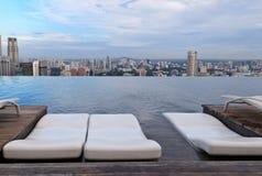 无限游泳池在新加坡 库存照片