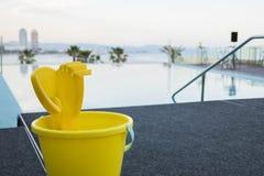 无限游泳池在巴塞罗那 库存照片