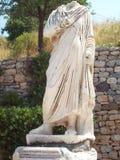 无首的雕象在以弗所土耳其 免版税库存图片