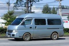 日产Urvan高速公路路的范Car 免版税库存图片