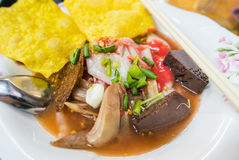 日元Ta Fo,泰国样式海鲜汤面 免版税库存照片