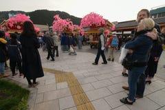 日光,日本- 4月16 :日光的人们庆祝弥生festiva 库存图片