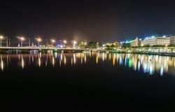 日内瓦在晚上,瑞士 库存图片