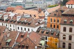 日内瓦,瑞士 与老房子的都市风景 图库摄影