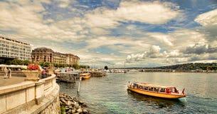 日内瓦,瑞士- 2014年7月12日 湖Ge江边视图  库存照片