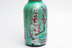 日内瓦/瑞士16 07 18 :瓶亚利桑那绿茶冰茶用蜂蜜 图库摄影