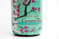 日内瓦/瑞士16 07 18 :瓶亚利桑那绿茶冰茶用蜂蜜 库存图片