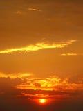 日出和多云天空 免版税库存照片