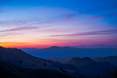 日出和村庄美丽的景色doi angkhang山的, 库存图片