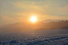 日出在冬天 图库摄影