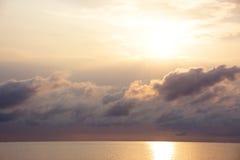 日出在风雨如磐的夜以后 免版税库存照片