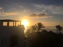日出在费埃特文图拉岛 免版税库存图片