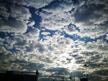 日出天空城市 库存照片