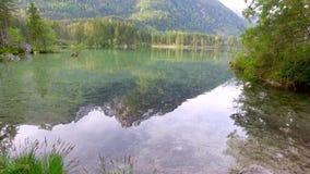 日出的小山湖Hintersee在德国,阿尔卑斯 股票视频