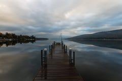 日出的湖乔治 图库摄影