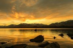 日出的看法在湖tekapo的 免版税图库摄影