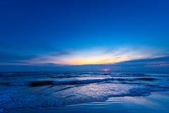 日出的美好的颜色在海背景, sou的海洋的 免版税图库摄影