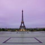 日出的艾菲尔铁塔在Trocadero,巴黎 图库摄影