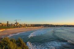 日出的邦迪滩在邦迪滩悉尼澳大利亚 免版税图库摄影