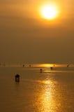 日出的金光 图库摄影