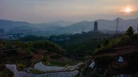 日出的龙泉塔与米大阳台 库存照片