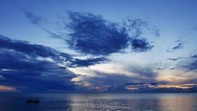 日出的13渔夫 股票视频