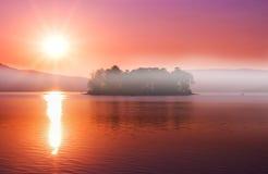 日出的Batak湖, Rhodopes,保加利亚 图库摄影