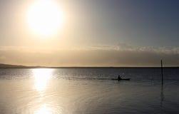 日出皮船 免版税图库摄影