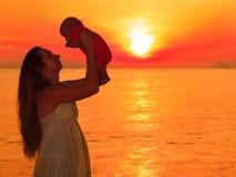 日出婴孩 库存图片