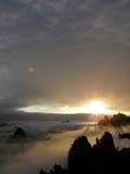 日出黄色山黄山中国 免版税库存照片