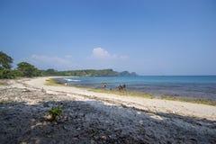 日出Sangiang海岛,万丹省 印度尼西亚 免版税库存照片