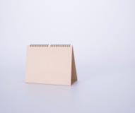 日历或空的桌面日历在背景 免版税库存图片
