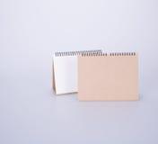 日历或空的桌面日历在背景 库存图片