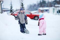 日开玩笑户外多雪的二冬天 库存照片