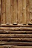 日志墙壁木头 免版税库存照片