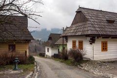 日志客舱在开放空气博物馆在Vlkolinec,斯洛伐克 免版税库存照片