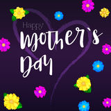 日愉快的母亲 您的祝贺卡片的问候横幅与被绘的心脏 Colorfull,明亮,春天花 免版税库存照片