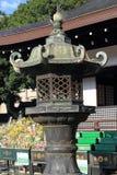 日本东方铁庭院灯笼 免版税库存图片