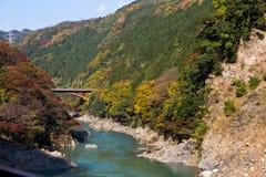 日本京都小山桥梁河 免版税图库摄影